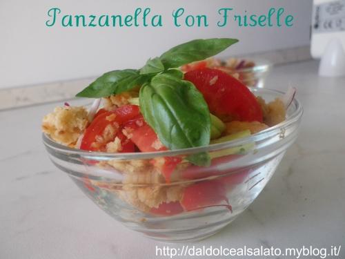 cetriolo,frise di grano,olio,aceto,basilico,cipolla di tropea,pomodori ciliegini