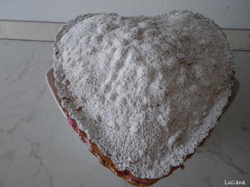 cuore-con-crema-al-mascarpone-e-frutti-di-bosco.jpg